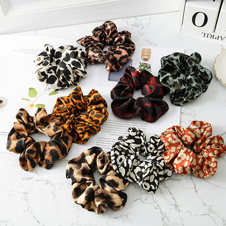 YiWu Wholesale Max Fashion Women Leopard Scrunchies MXDSS001